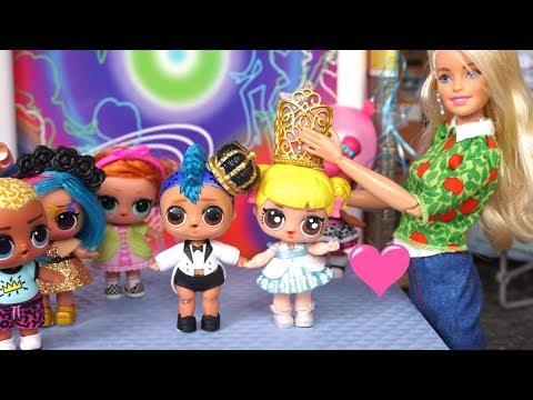 LOL Punk Boi quiere ir al baile de Prom con la Bebe Goldie - Historias con Juguetes LOL