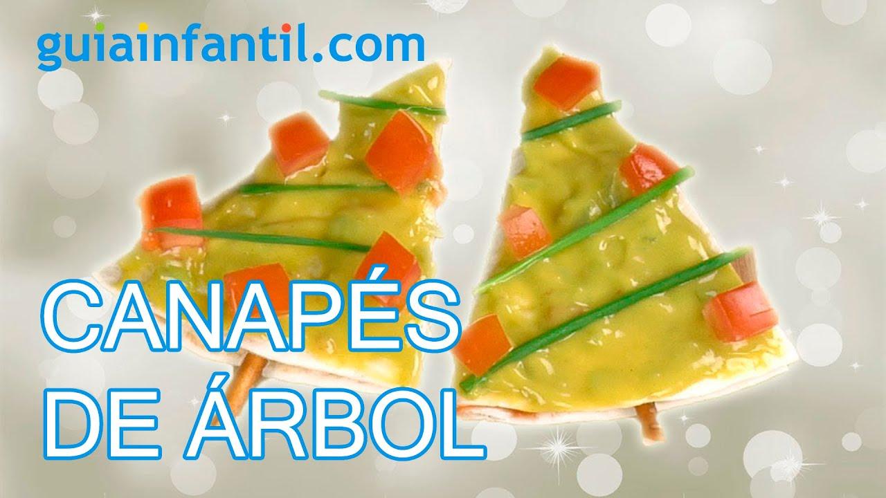 Canapés de árbol de Navidad mexicano con guacamole