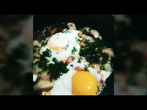 Как вкусно пожарить сало с яйцом. Яичница с жареным салом