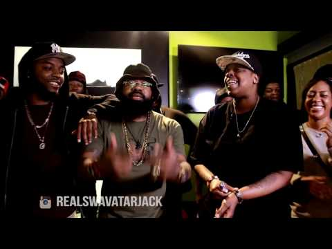 Female Rapper Yoshi G vs Swavatar Jack - Rap Battle - AHAT ATL