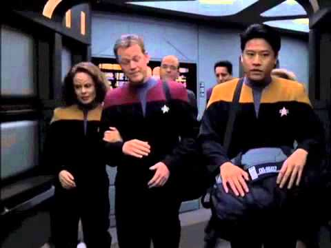 Let's Just Say Star Trek: Voyager Had Some Really Lazy Dialogue
