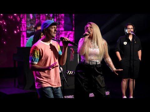 Jason Mraz & Meghan Trainor Perform 'More Than Friends'