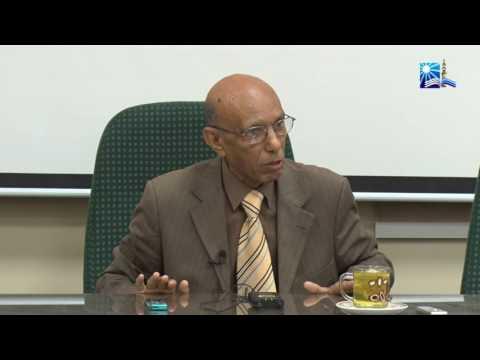 الأستاذ الدكتور/ محمد كمال إمام (من البرنامج التدريبي للموظفين الماليزيين)