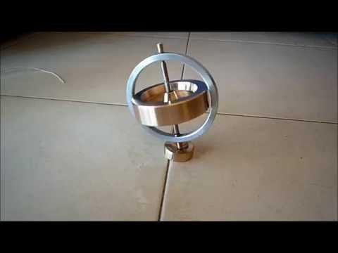 Giroscopio casero hecho con un torno de sobremesa