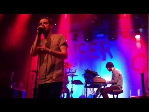 Kaiser Chiefs - Saying Goodbye (live in Holland 2013)