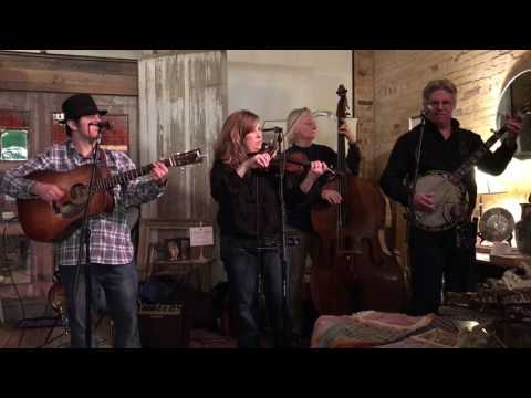 Foggy Mountain Special (Earl Scruggs), played by One Eye Open