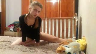 """Как сесть на шпагат """"гимнастика #1,,"""