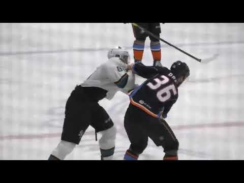 Hunter Drew vs. Steenn Pasichnuk