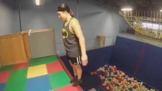 Крутые трюки на батуте