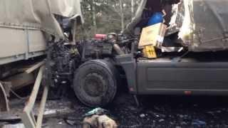Под Омутнинском лоб в лоб столкнулись два грузовика 2