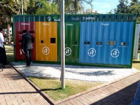 Estação RecicleMais de resíduos recicláveis na praça Bom Jesus, cidade de Anápolis-GO