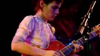 13/25 Kaki King - Soft Shoulder