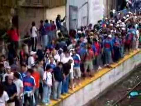 """Fiesta loca antes de el tren cartonero en victoria!"" Barra: La Barra Del Matador • Club: Tigre"