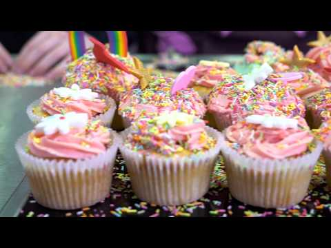 How to make vanilla cupcakes with Hummingbird Bakery and GOSH patient Rhiann | Bake it Better