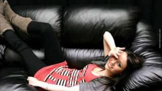 Miley Cyrus Ft.Iyaz - This Boy That Girl 2010
