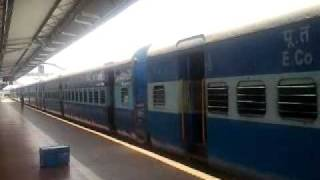 preview picture of video 'PURI CUTTACK PASSENGER/58416'