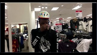 TRUTH OR DARE IN THE MALL!!(MY FIRST VLOG)