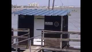 preview picture of video 'saint nazaire 44 ( ville du plus gros paquebot du monde )'