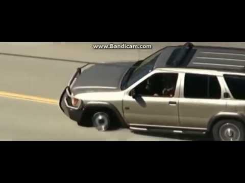 джип на 3ёх колёсах погоня закончилась аварией.3eh wheels jeep chase ended in failure