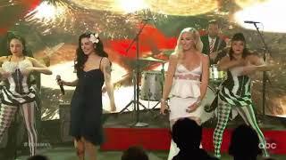 Mon Laferte & Gwen Stefani #monlaferte#Gwenstefani#feliznavidad