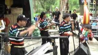 preview picture of video 'Carnaval de Gualaceo Ecuador 2009 - Los Tauros'
