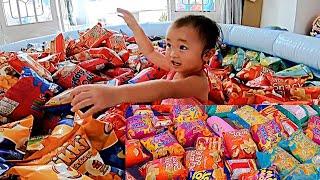 #14 Bé Chippy Siêu Quậy || Hồ Bơi Bánh Snack | Series Famyly Laytv