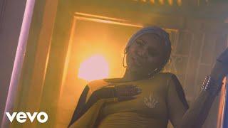 Vybz Kartel, Lolaa Smiles - Addi Right Size (Official Video)