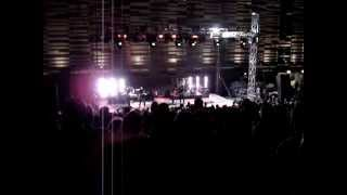 Alanis Morissette - Numb (live) - Havoc and Bright Lights - 2012
