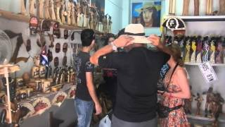 preview picture of video 'Artesanias cubanas, en La Habana Vieja.'