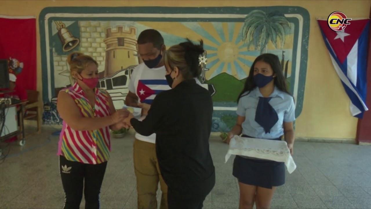 """Reconocen a IPVCE Silberto Álvarez Aroche con el Sello """"Valientes por la Vida"""""""