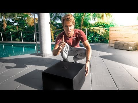UNBOXING THE FUTURE OF VLOGGING??? | VLOG² 92