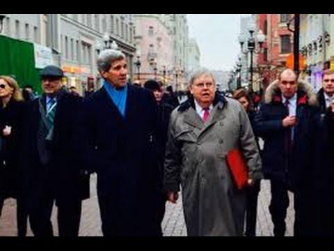 , title : 'Керри на Арбате накупил российских матрешек!'