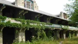 preview picture of video 'Boblo Island - a family trip to an abandoned amusement park'