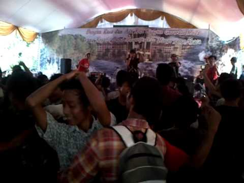 2BM Serangnesia Live @ Pensi SMA 4 Serang   Situ Artis