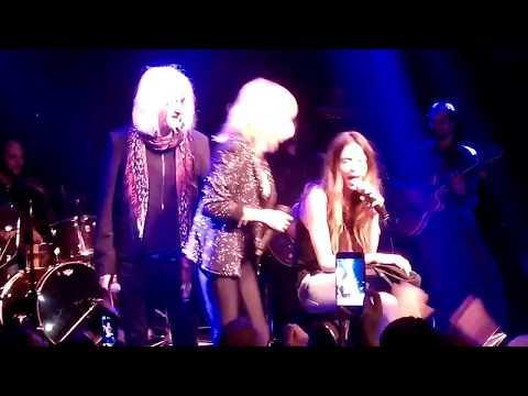 Download ANNA VISSI LIVE SOFIA CARVELA NIKOS KARVELAS AKOMA MIA HOTEL ERMOY ΑΝΝΑ ΒΙΣΣΗ ΑΚΟΜΑ ΜΙΑ HD Video