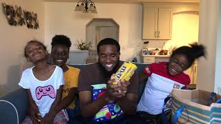 THE GIRLS AND GRANNY GIVE DAD HIS BIRTHDAY GIFTS!!! 🎁🎂🎉