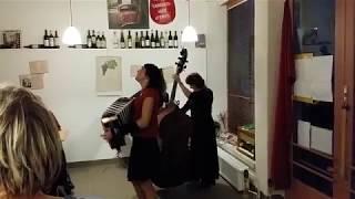 Video Café Baret Vinotéka mezi řádky Trutnov