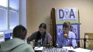 preview picture of video 'Ostrov 2009 - pohled do studia Rádia Domino před vysíláním'