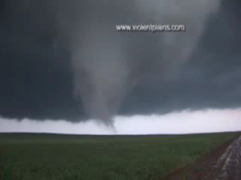 Incredible Protection, KS Tornado Video from close range!