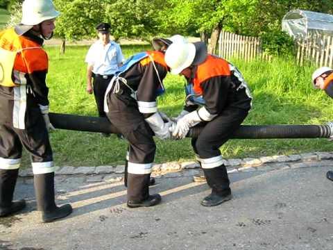 Feuerwehr Leistungsprüfung Bayern - FFW Roggersing - Saugleitung kuppeln