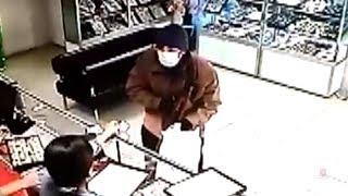 В Котово задержан подозреваемый в разбойном нападении на ювелирный магазин