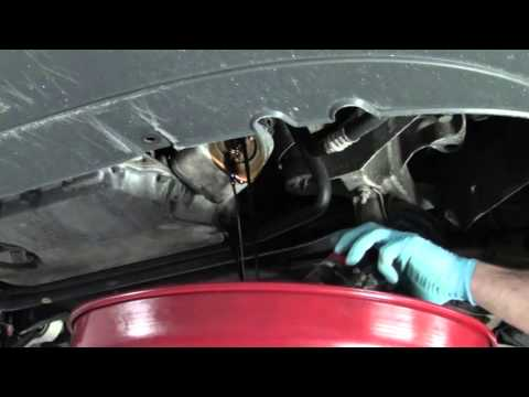 Das Leck des Benzins aus unter die Düsen