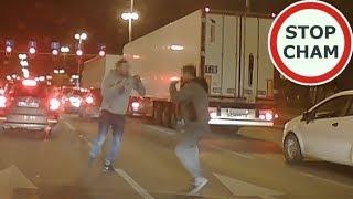 Film do artykułu: Kierowcy pobili się na...