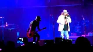 preview picture of video 'Guns N' Roses - Don't Cry - Son Fusteret de Palma de Mallorca - 22/07/2012'