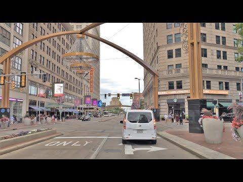 Driving Downtown - Cleveland 4K - USA