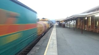 preview picture of video '7/7/2014 - Last Light container train at Ararat'