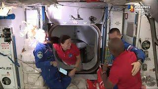Capsula Crew Dragon, cu patru astronauţi la bord, a andocat la Staţia Spaţială Internaţională