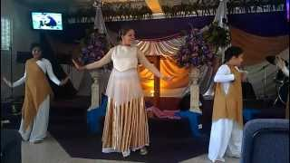 preview picture of video 'El nos ama Christine d Clario Danza'