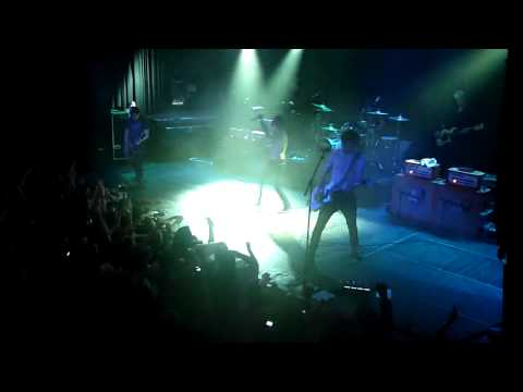 Dead By Sunrise - ''End Of The World''  (Live In Amsterdam 2010) HD