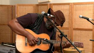 "Alvin Youngblood Hart - ""Pony Blues"" at Music in the Hall: Episode Twelve"